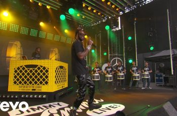 2-chainz-performs-rule-the-world-350x230